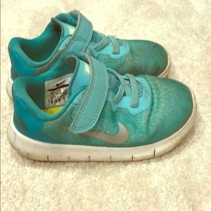 Girls nike teal sneakers slip on with Velcro
